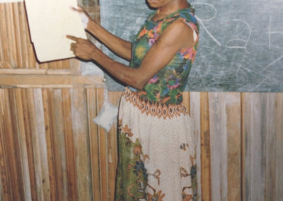 Aksamina teaching reading
